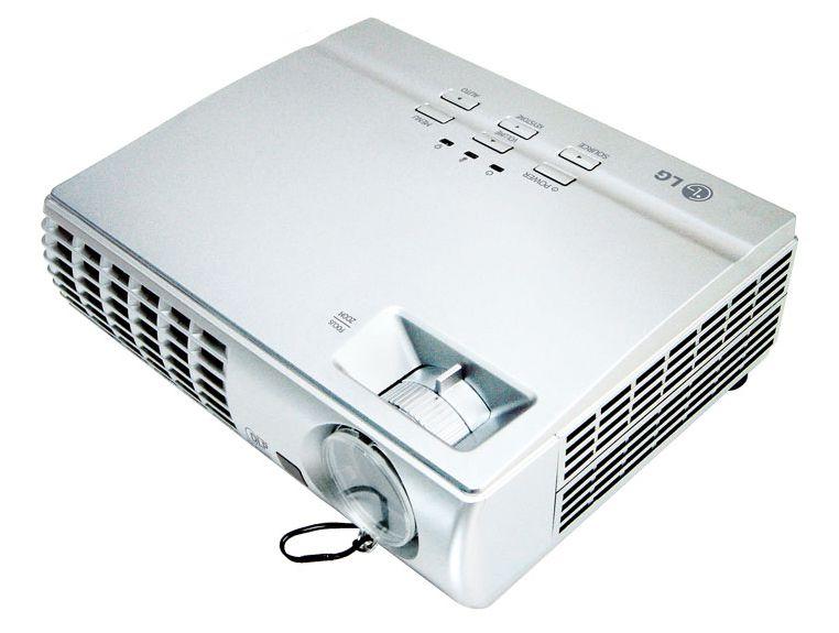LG DX325 projektor bérlés, bérbeadás 1 napra