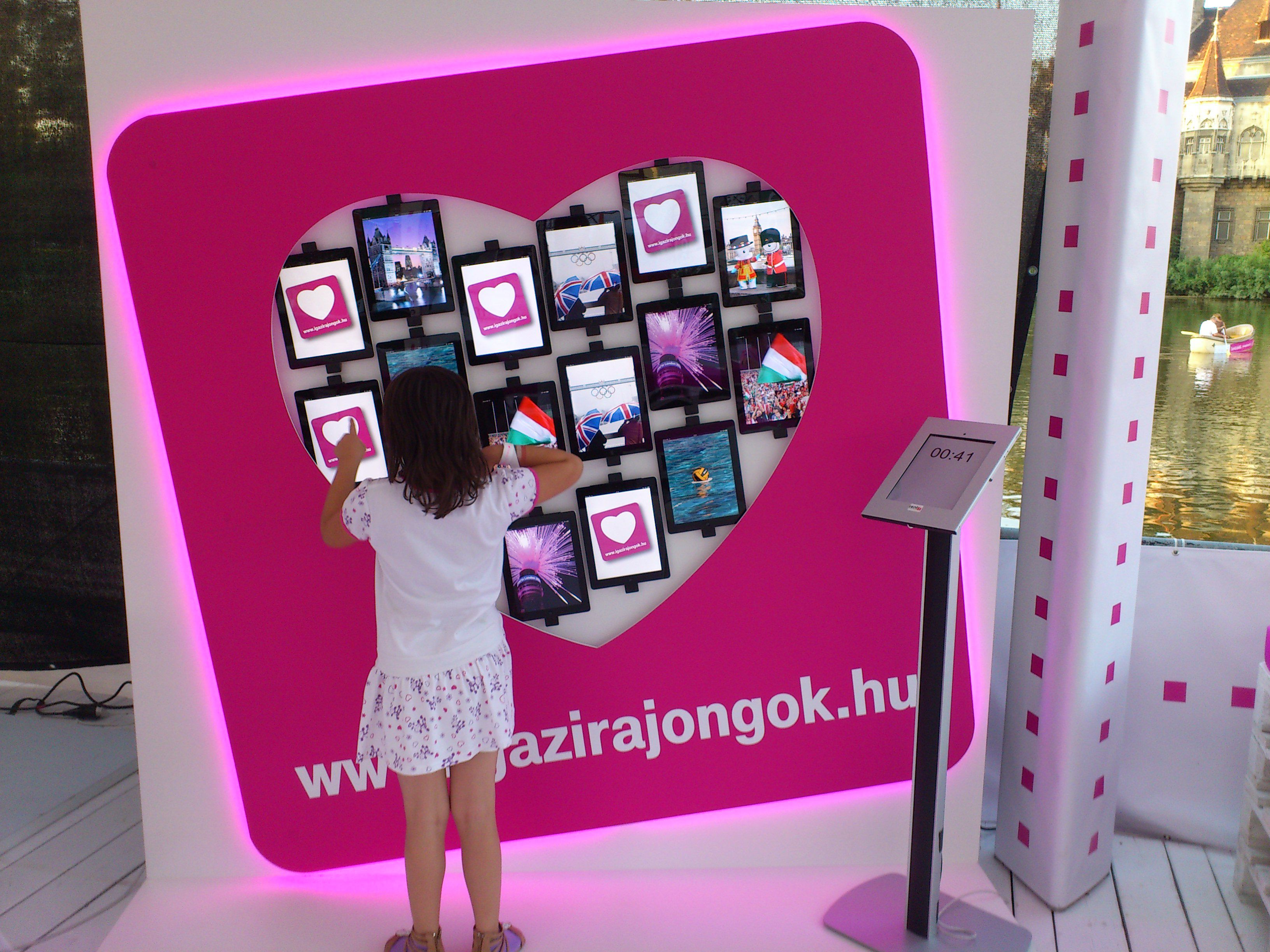 interactive ipad wall with unique arrangement